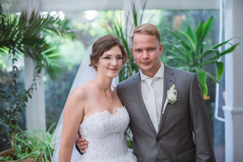 f5f8c3542c Bogi és Tomi esküvői szertartása a Hemingway Étteremben